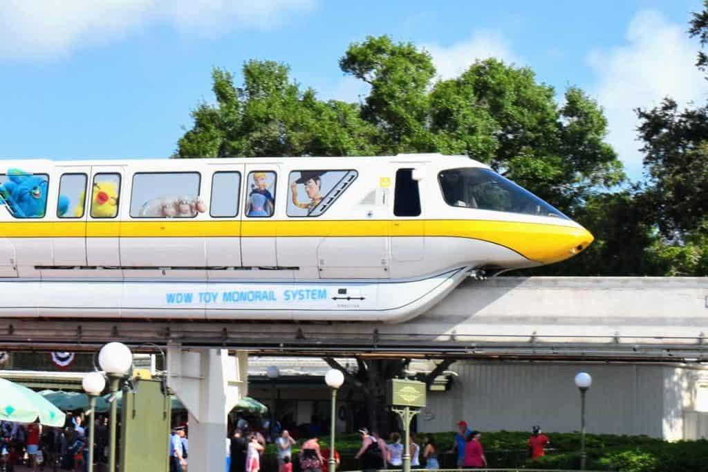 Monorail Yellow Toy Story 4 edition arrives at the entrance of Magic Kingdom.